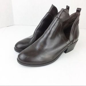 Shoes - SZ 9 Brown Pull On Bootie
